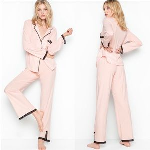 NWT. VS pajama set size medium LONG